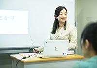 タブレットやプロジェクターを使った効率的な授業