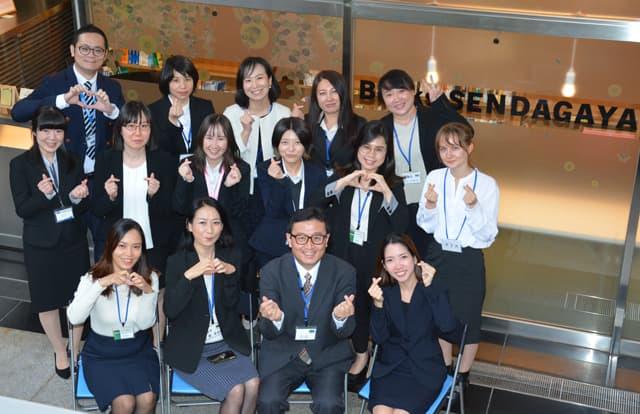 多种国籍的学生与教职员